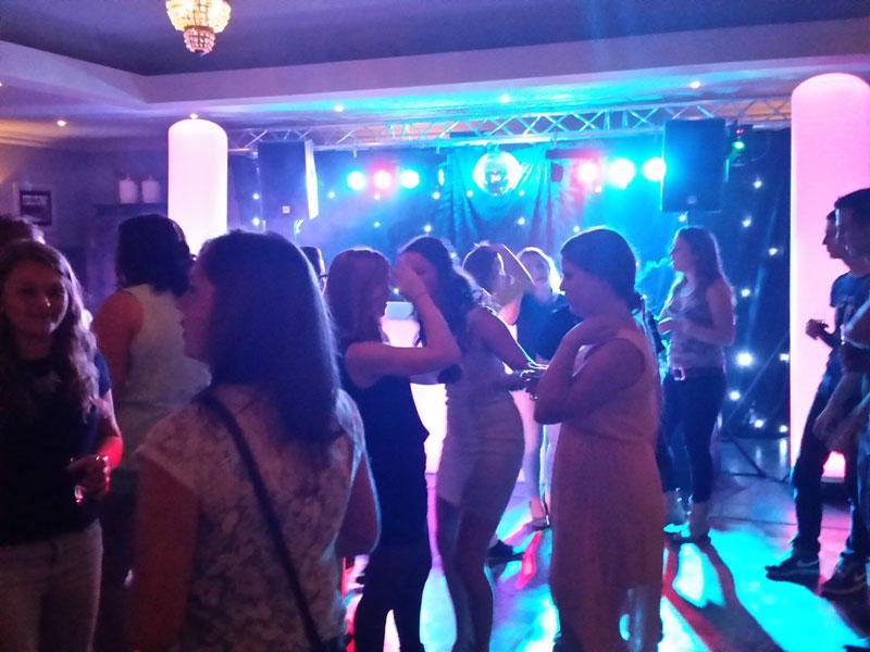 Personeelsfeest gezellig dansen