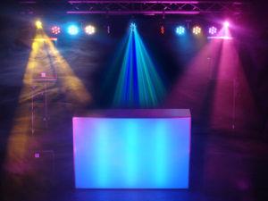Allround drive-in-show met bewegend licht